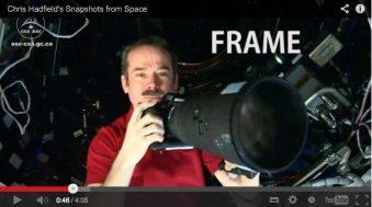Chris Hadfield vidéo photo dans l'espace